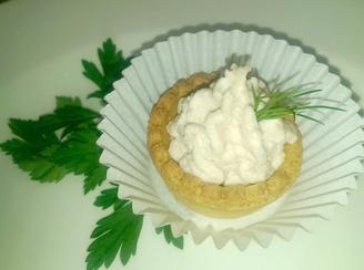 Tartlets with chicken pate